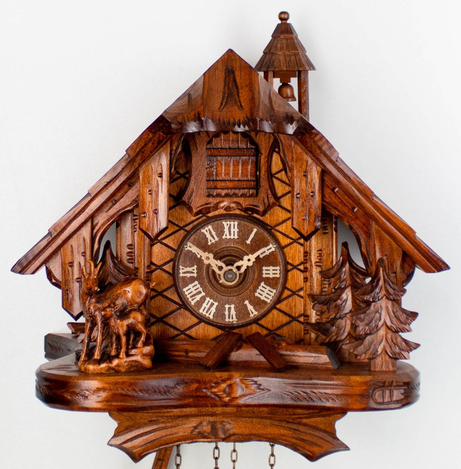 8 Days Cuckoo Clock Black Forest House with with chamois family and squirrel