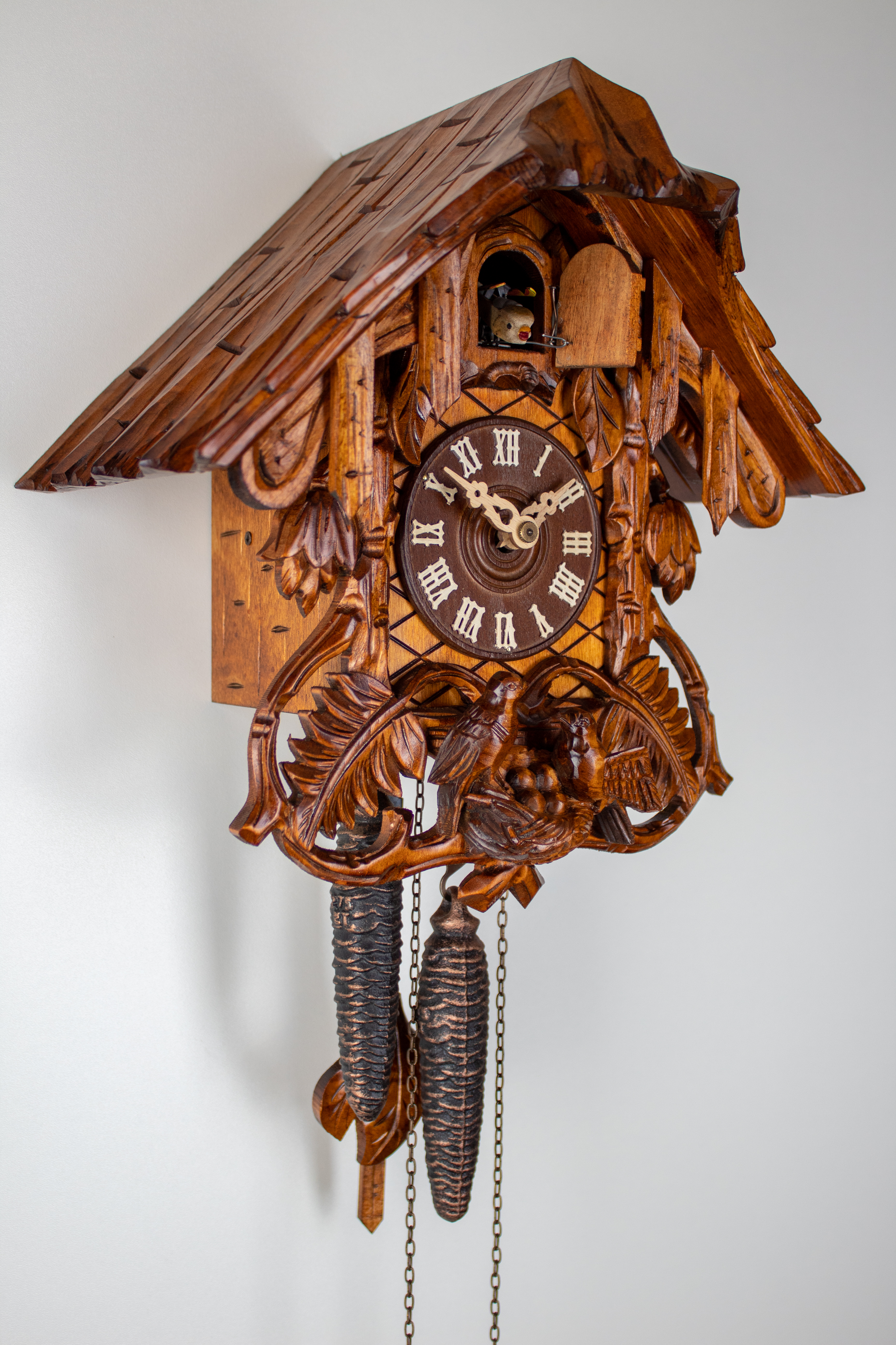 1 Day Cuckoo Clock Black Forest House with fern leaves and bird family