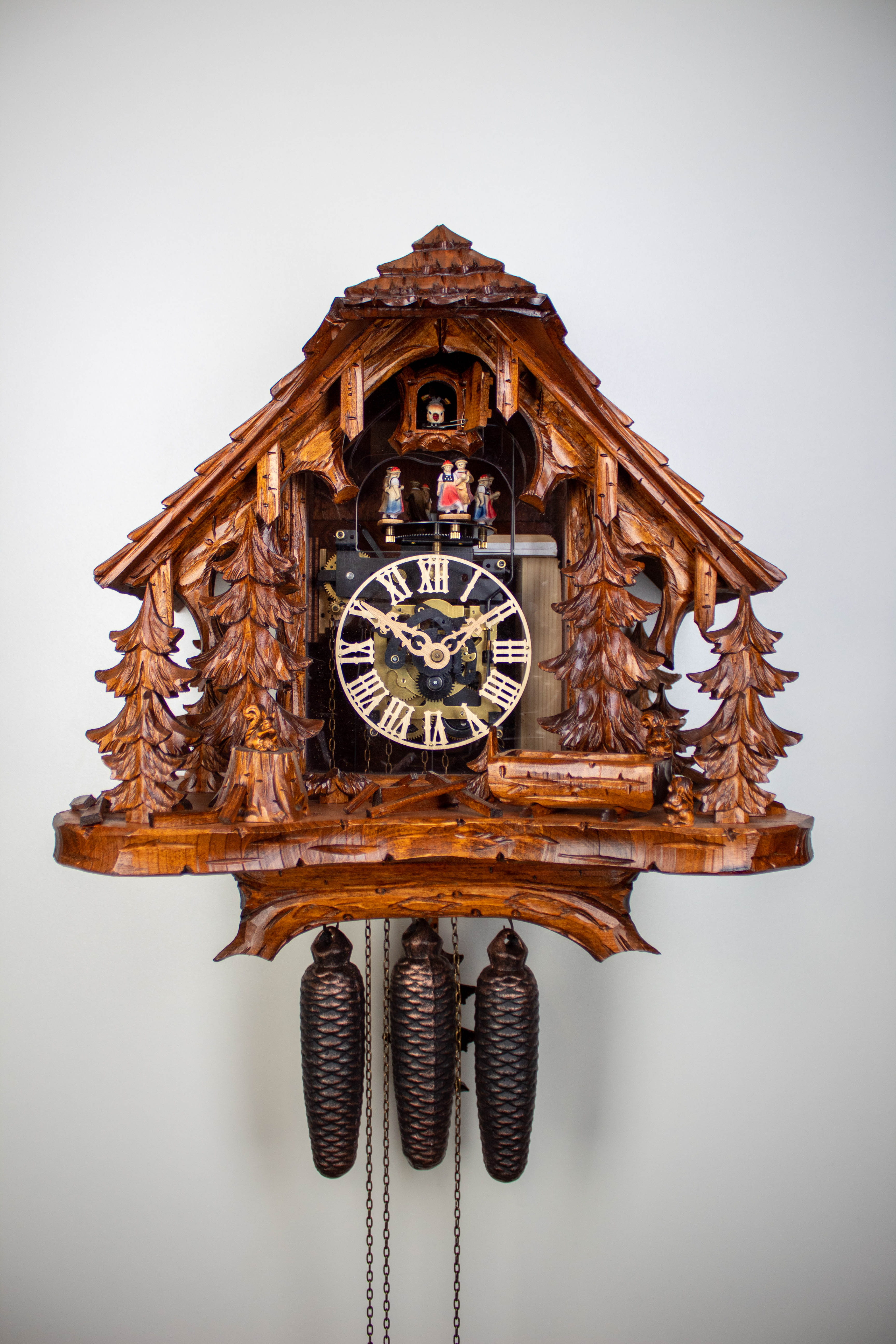8 Days Cuckoo Clock Black Forest House with owl and squirrel with glass front