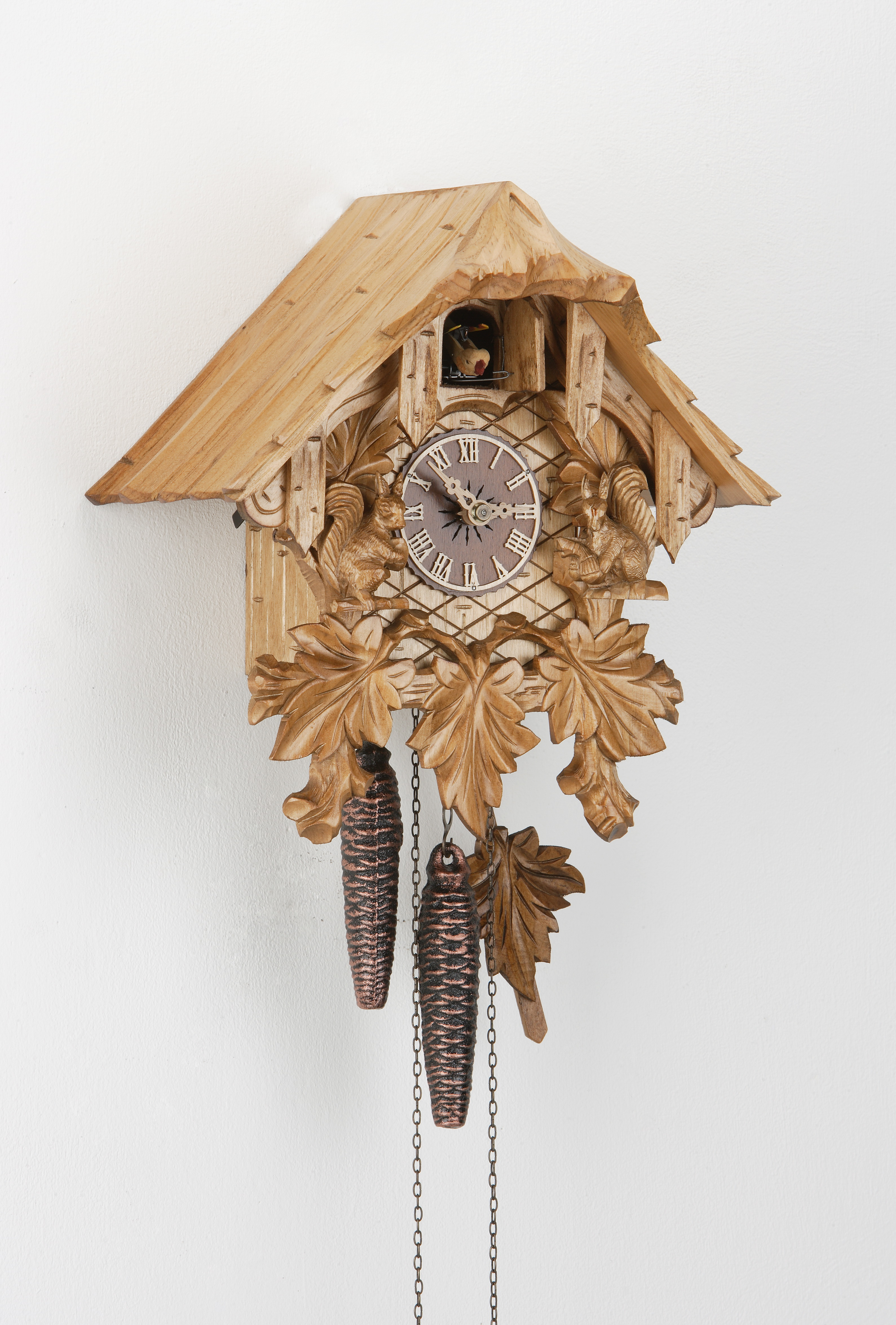 1 Day Cuckoo Clock Black Forest House with squirrel family