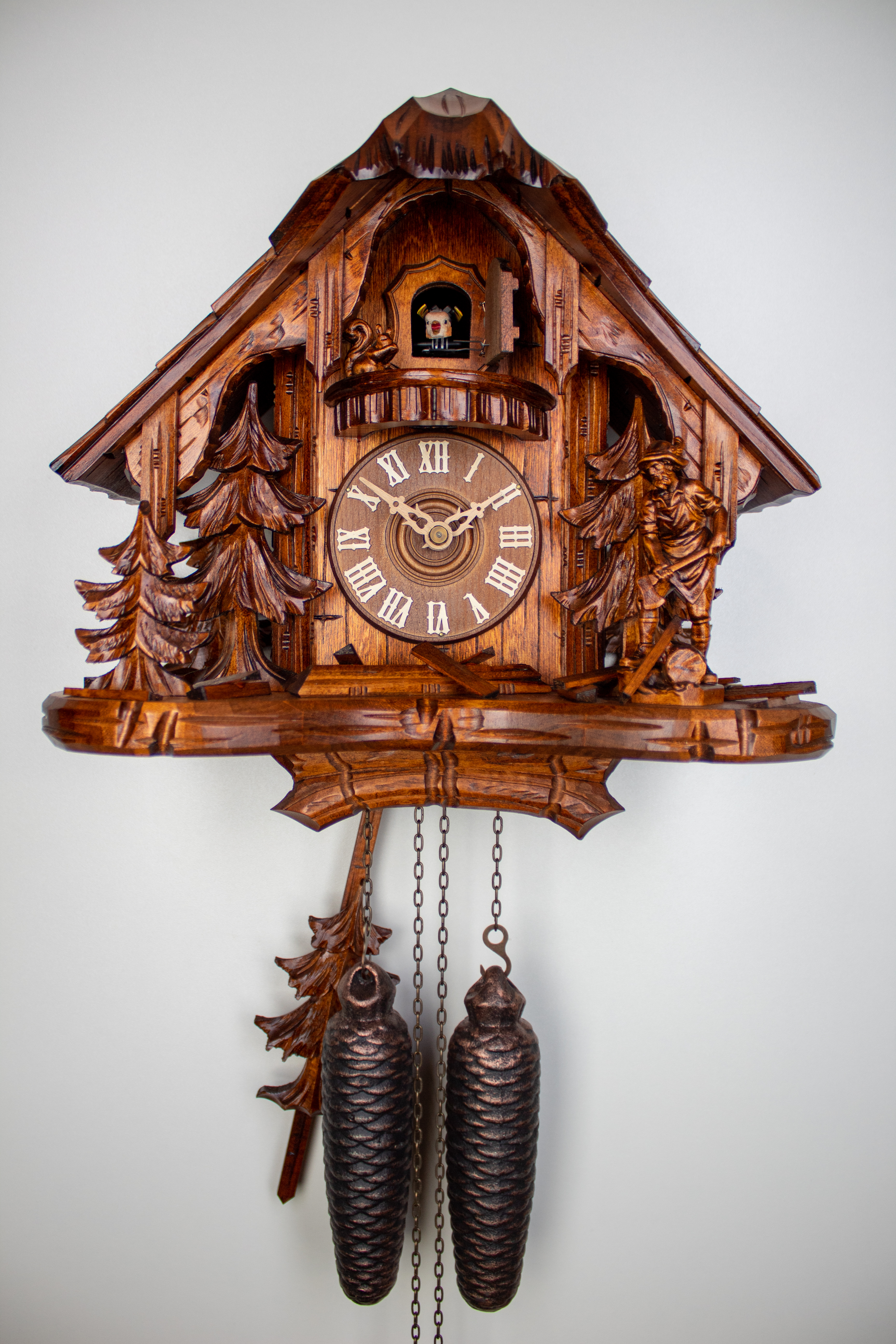 8 Days Cuckoo Clock Black Forest House with woodcutter and squirrel