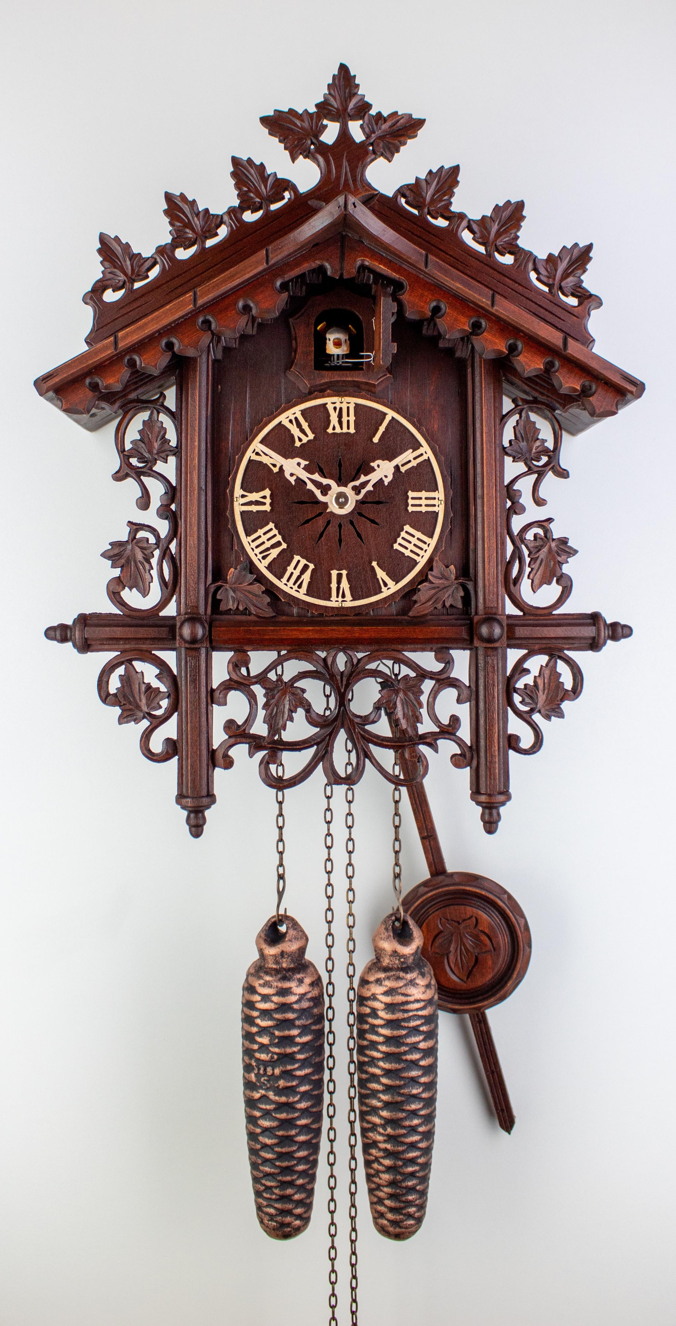 """8 Days Cuckoo Clock Railroad House  (""""Bahnhäusle"""")"""